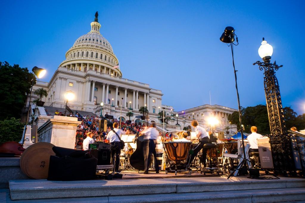 kapitolijs amerika vasingtona koncerts militārais nakts galvaspilsēta muzeji smithsonian bezmaksas