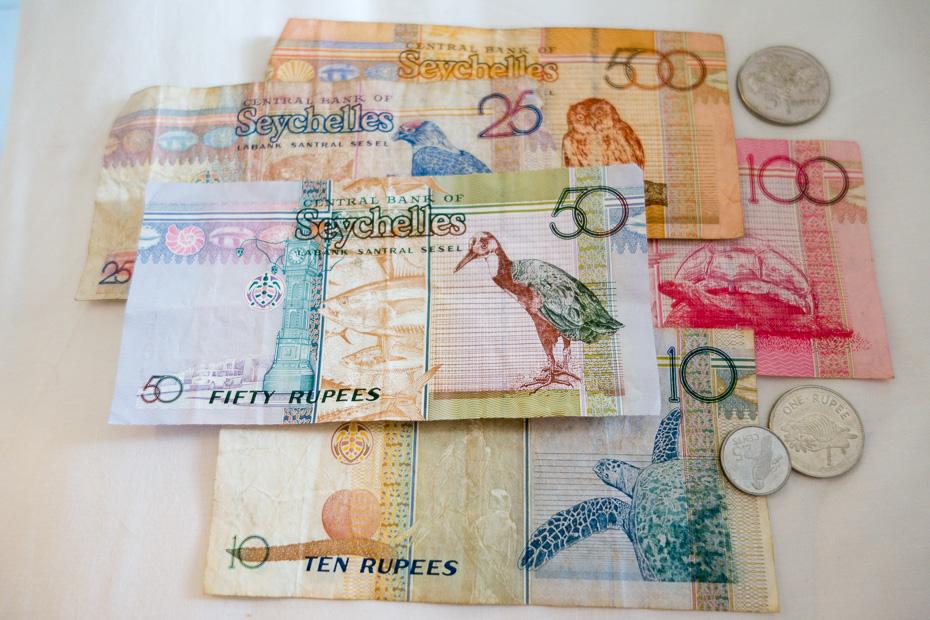 seiselu rupijas nauda valuta maina izmaksas indijas okeans seiselas mahe