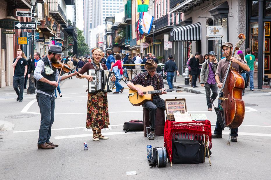 ielu muzikanti nuoerleana amerika  bourbon karnevals