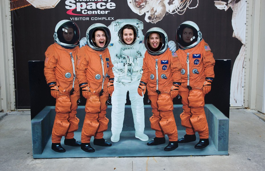 nasa centrs kenedija orlando florida asv amerika astronauts bērni ģimene