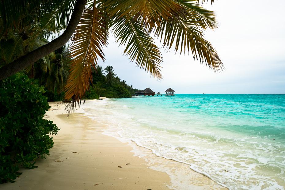 lietainas brīvdienas maldīvija indijas okeāns