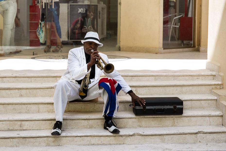 kubiešu ielas muzikants havana