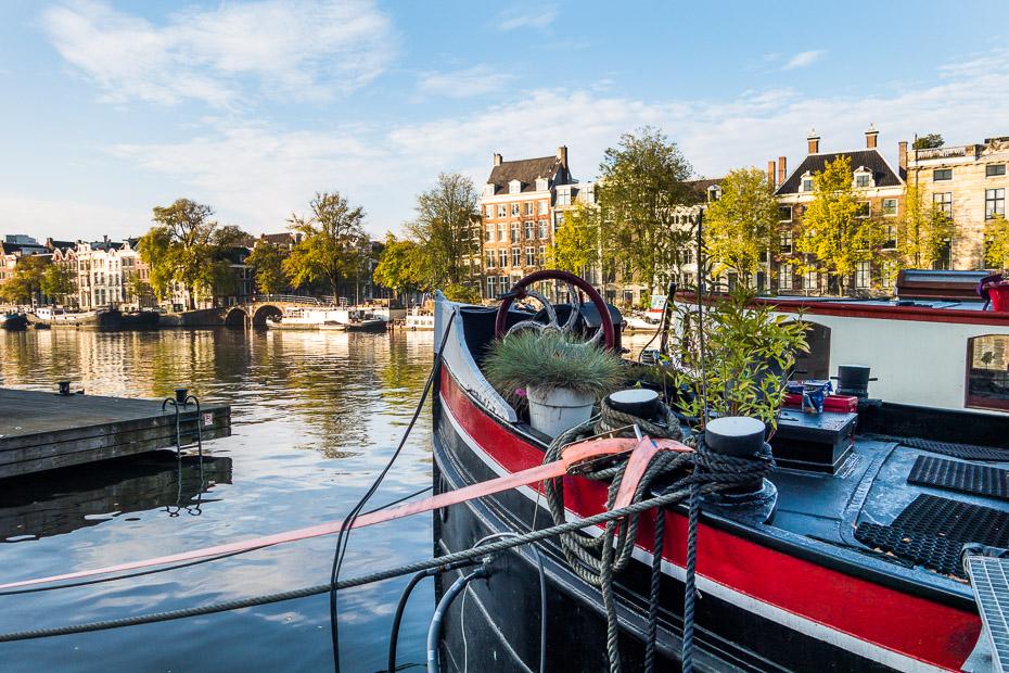 amsterdama mājas uz ūdens kanāls nīderlande
