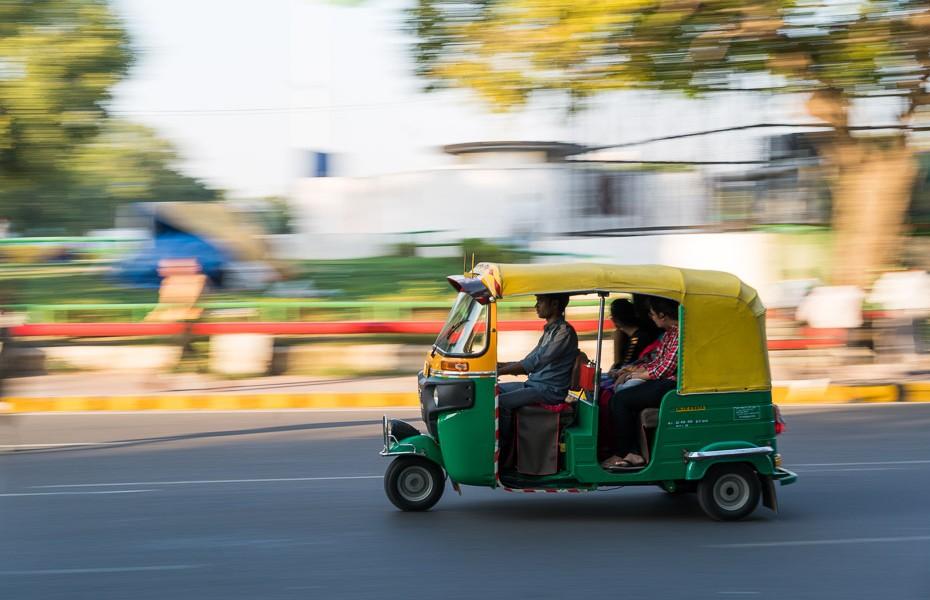 autorikšas deli tuktuks taksometrs priekšapmaksas indija