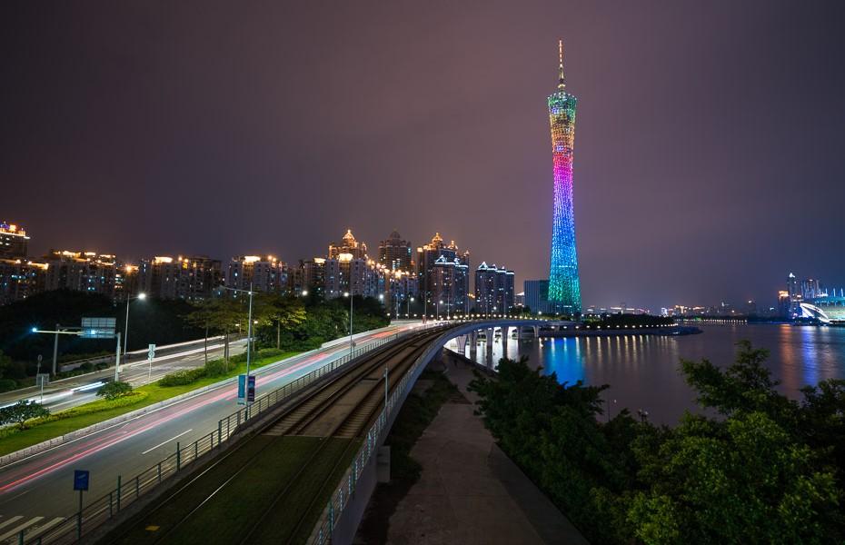 kantonas tornis guandžou naktī
