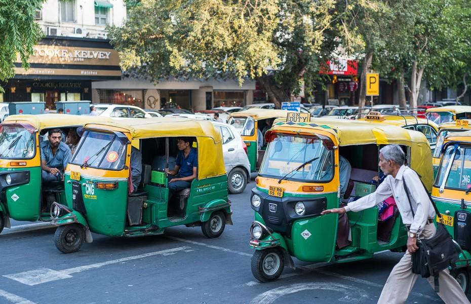 tuktuks indija tuk ielas deli indija