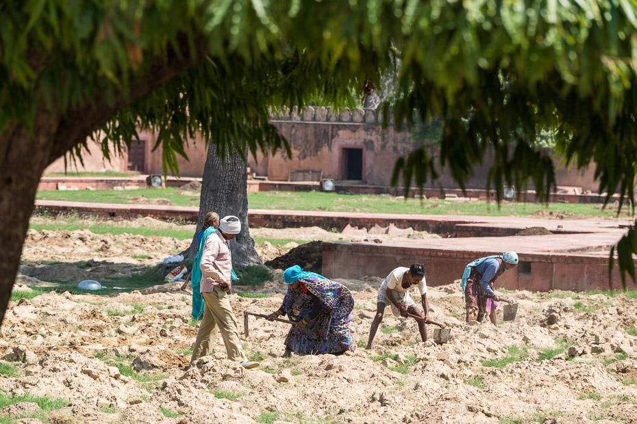 nabadzība indiešu strādnieki mazajā tadžmahalā