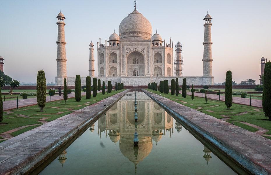 tadžmahāls mauzolejs pasaules brīnums indija