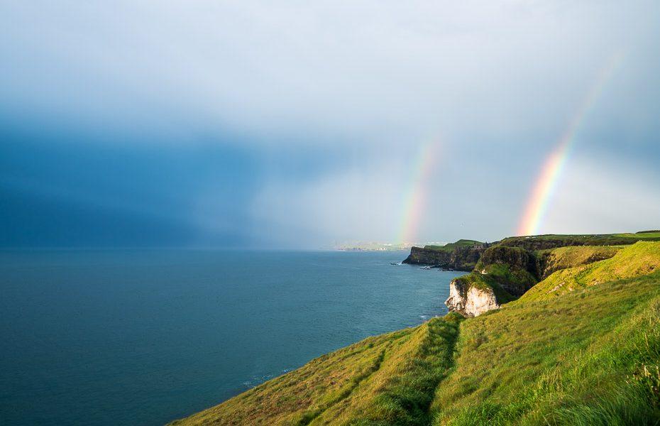 dunluces un dunsaverikas pils ar varavīksni ziemelīrijā