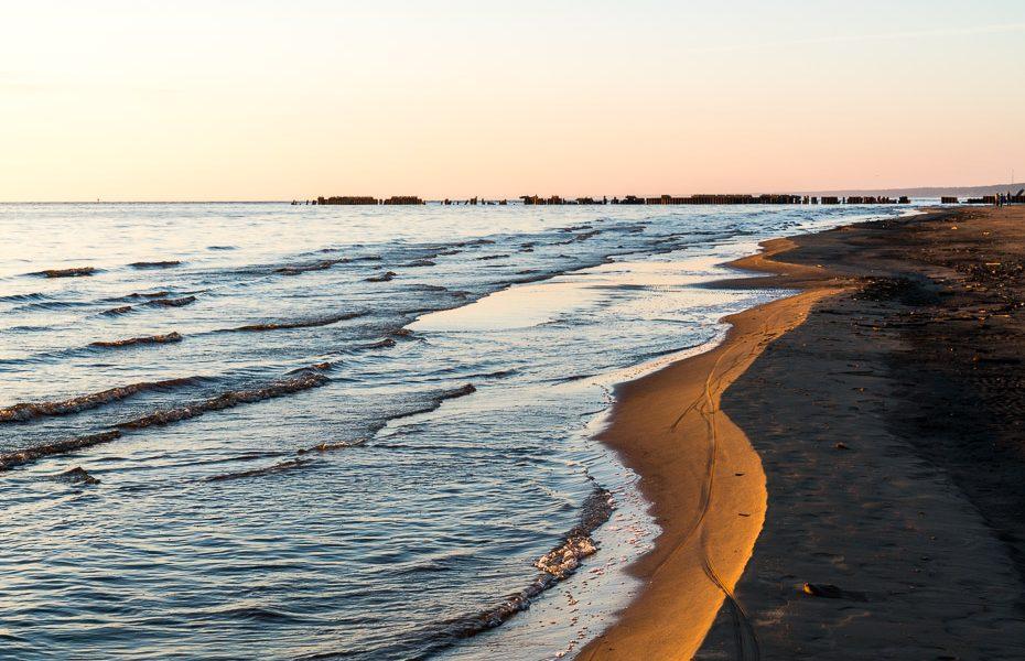 narva jesū pludmale