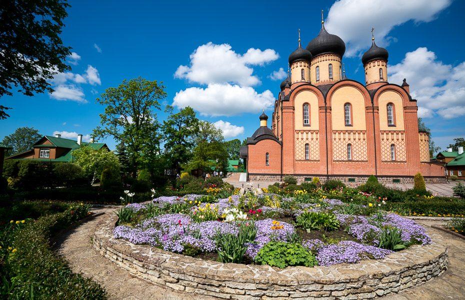 puhtitsas klosteris