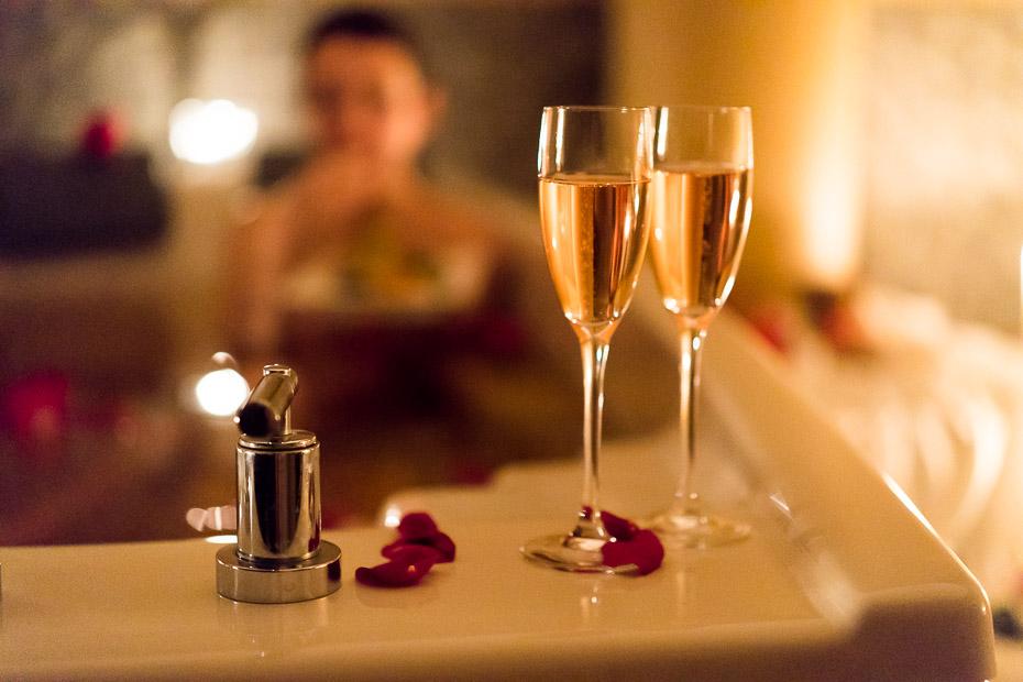 rožlapiņas un šampanietis