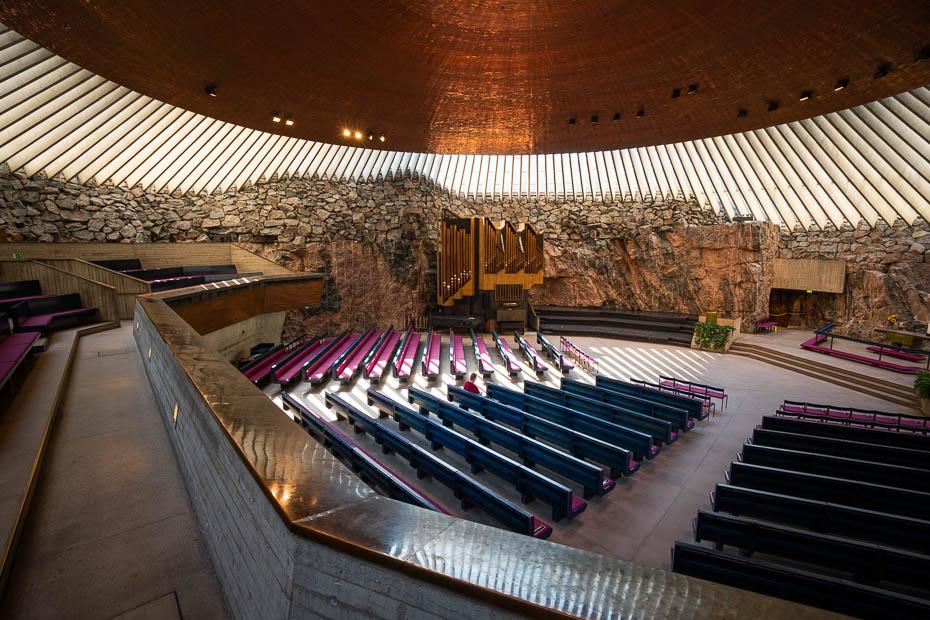Temppeliaukio Helsinki iekšpusē apskate