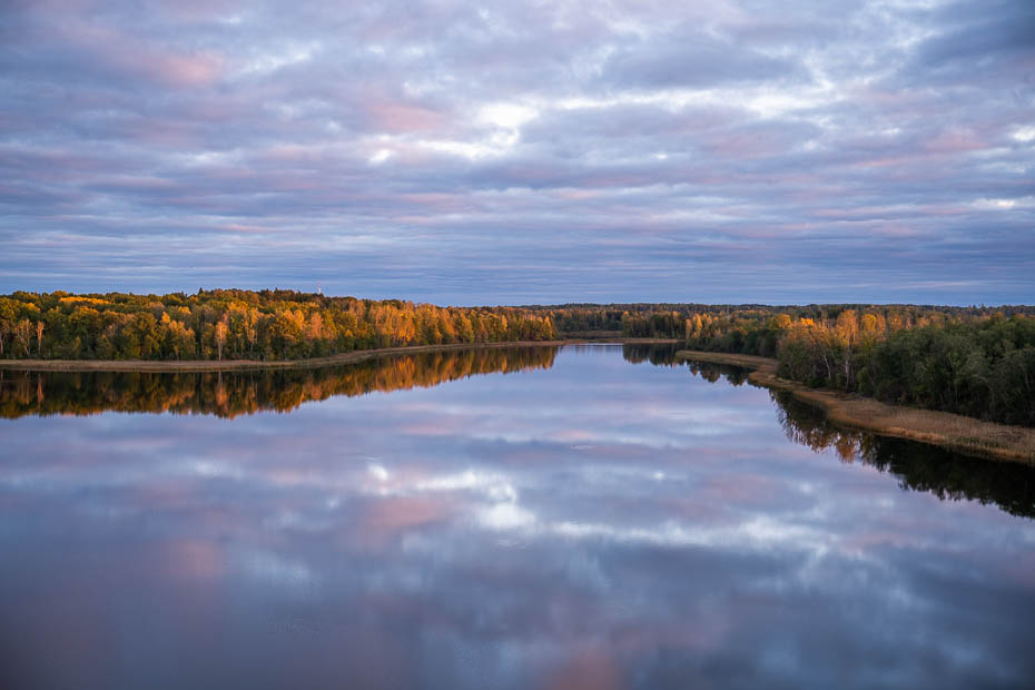 Cieceres ezers rudenī skatu tornis