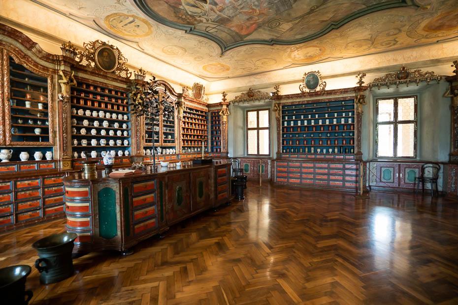 neparastākās apskates vietas Čehijā baroka aptieka