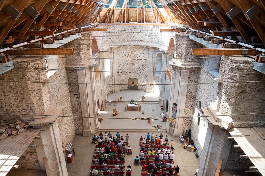 Stikla jumts Sv.Marijas baznīcai Neratovā Čehijā