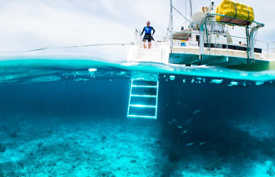 kirasao katamarāns niršana snorkelēšana