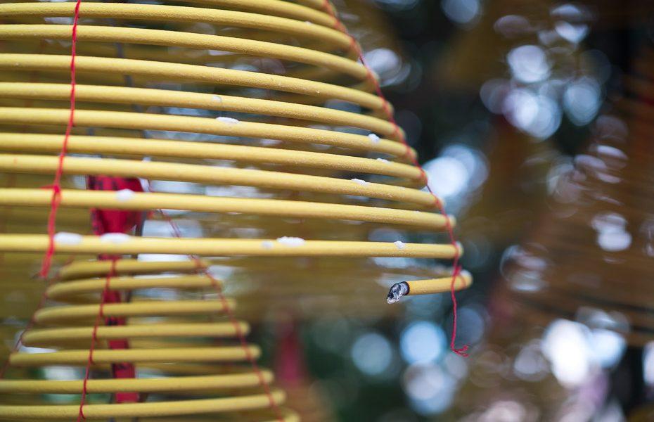 dedzināmie lūgšanu kociņi makao ama templī